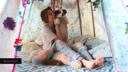 Bella-Thorne-Feet-3374659.jpg