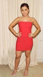 Ariana-Grande-Feet-477087.jpg