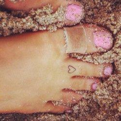 Ariana-Grande-Feet-665289.jpg