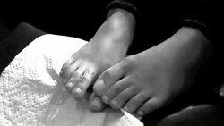 Ariana-Grande-Feet-711345.jpg
