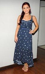 Ariana-Grande-Feet-1181566.jpg