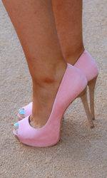 Ariana-Grande-Feet-1717370.jpg