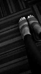 Ariana-Grande-Feet-1789323.jpg