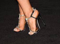 Ariana-Grande-Feet-2032086.jpg