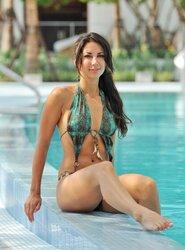 Leilani-Dowding-Feet-561386.jpg