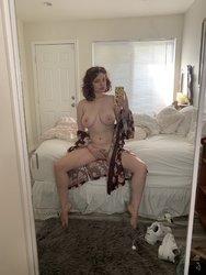 Annabel-Redd-Feet-4455399.jpg