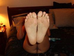red toes 002.JPG