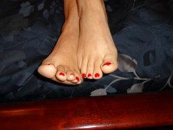 red toes 004.JPG